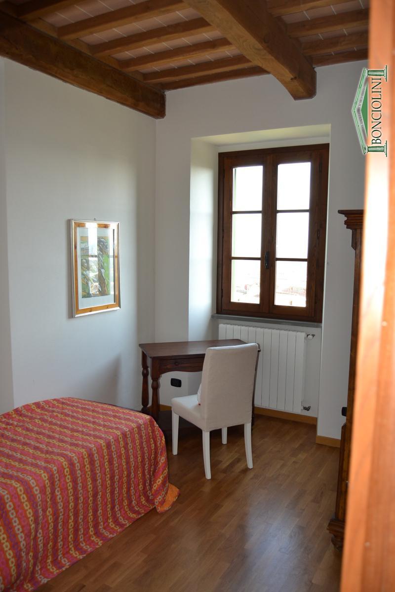 Appartamento Uzzano PT652