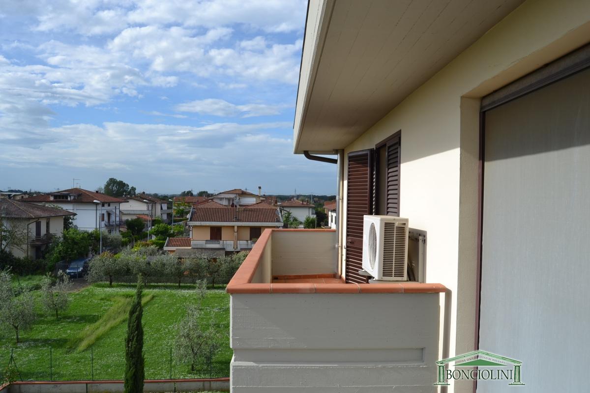 Ufficio / Studio in affitto a Pieve a Nievole, 5 locali, prezzo € 800 | CambioCasa.it