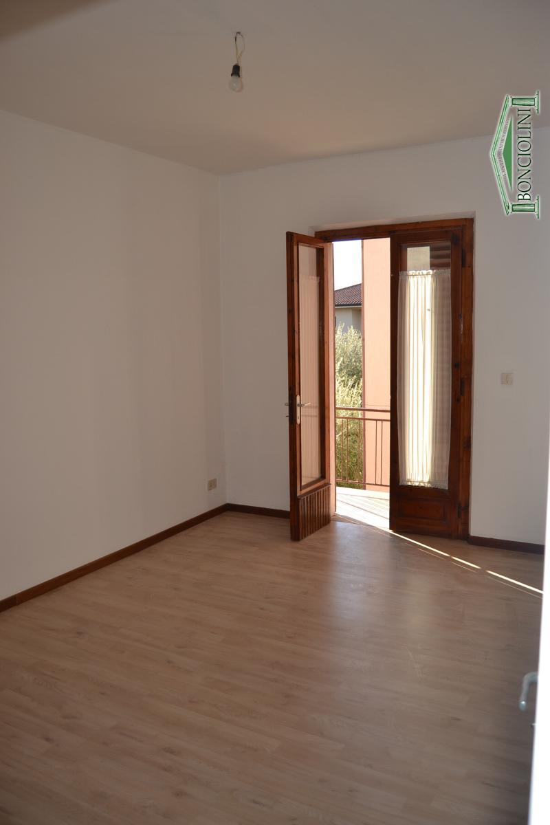 Appartamento in vendita a Monsummano Terme, 3 locali, prezzo € 80.000 | CambioCasa.it