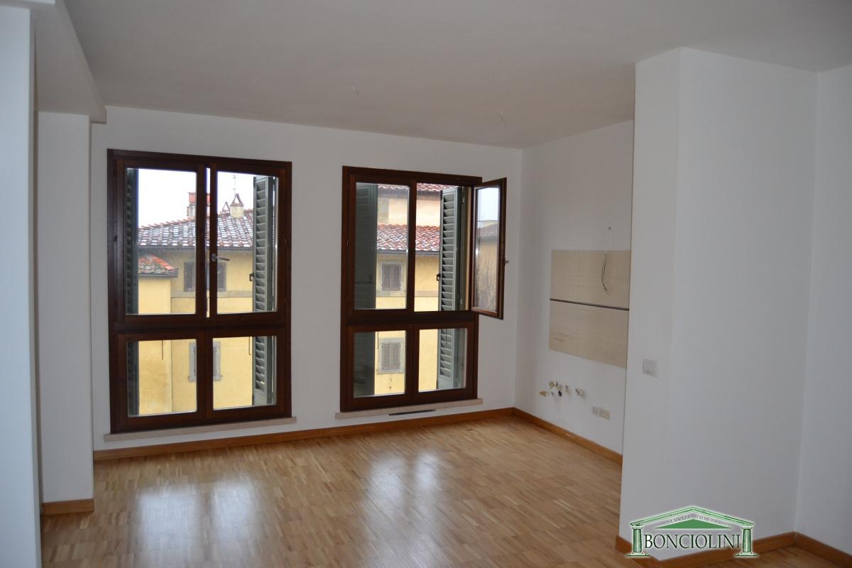 Appartamento in affitto a Monsummano Terme, 3 locali, prezzo € 600 | CambioCasa.it