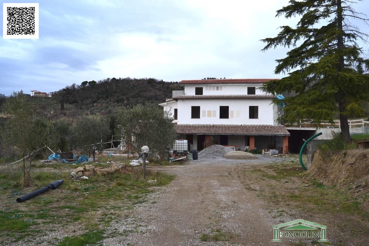 Villa in vendita a Monsummano Terme, 10 locali, prezzo € 800.000 | Cambio Casa.it
