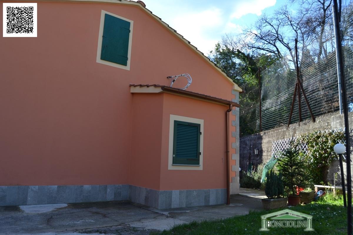 Soluzione Indipendente in vendita a Montecatini-Terme, 4 locali, prezzo € 295.000 | Cambio Casa.it